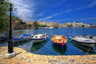 Sejururi cu avionul in Creta