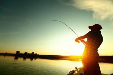Practicarea pescuitului sportiv se face numai in baza permiselor emise de ANPA