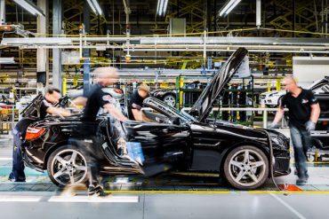 Mercedes Benz construieste o fabrica auto in Russia