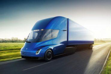 300 de comenzi pentru camionul electricTesla Semi